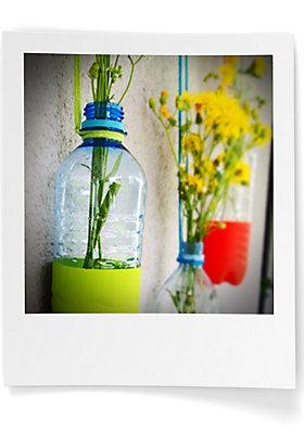 DIY: Blumenvasen aus Plastikflaschen
