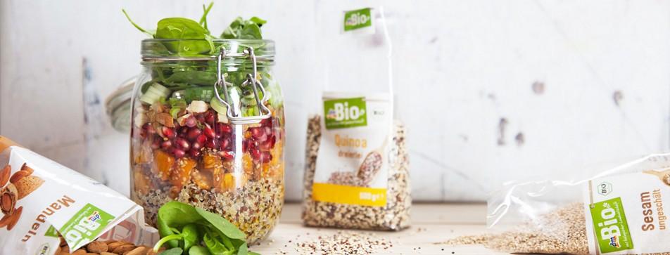 Quinoa-Salat im Glas