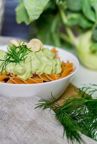 Rezept: Glutenfreie Pasta mit Cashew-Kohlrabi-Creme