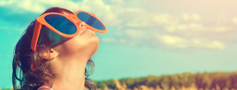 So schützen Sie ihr Kind optimal vor der Sonne.