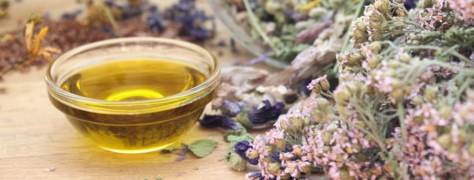 Einfaches Rezept für selbstgemachtes Kräuteröl