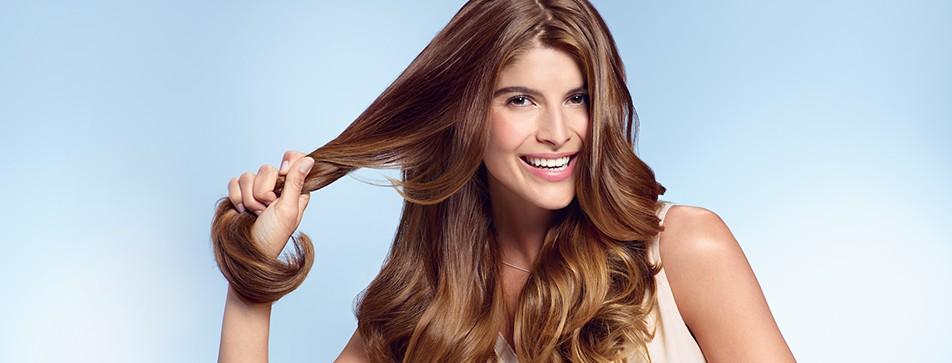 Styling und Pflege fürs Haar - mit der NIVEA Pflege & Halt Styling Serie.
