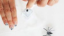 Spinnweben Nageldesign für Halloween