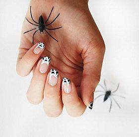 Produkte für's Halloween Nageldesign