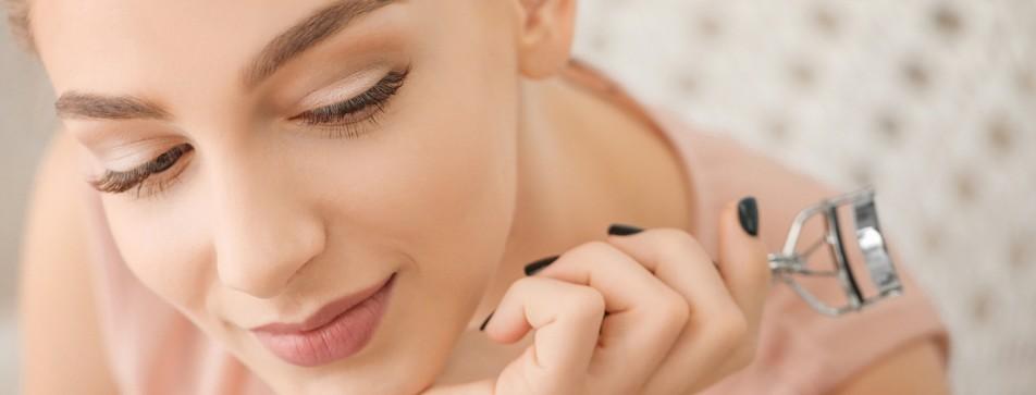 Sechs Tipps für die richtige Pflege der Wimpern.