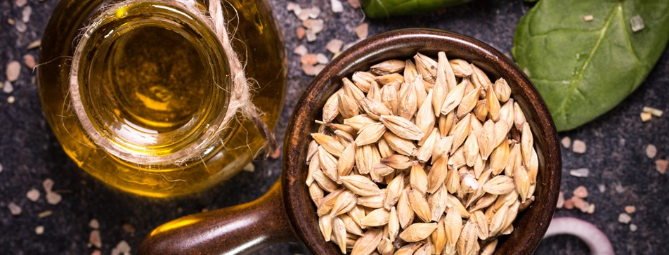 Weizenkeimöl und Weizenkörner