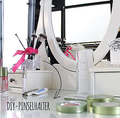 Kreative DIY-Idee für die Pinselaufbewahrung.