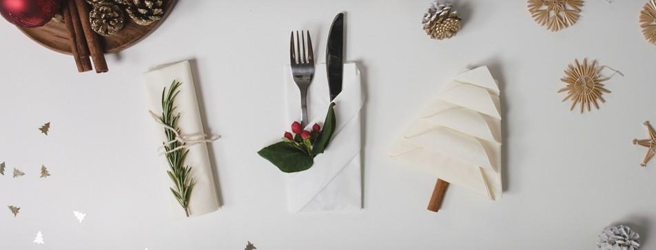 servietten falten f r weihnachten dm online shop. Black Bedroom Furniture Sets. Home Design Ideas
