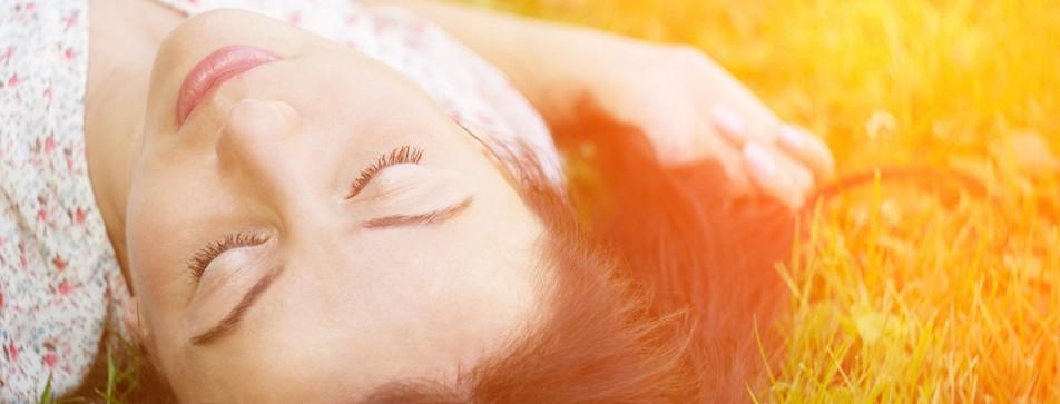 Entspannen und Energie tanken: Ein Powernap bringt Sie in wenigen Minuten wieder auf Touren.
