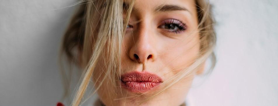 Farbe und Pflege auf den Lippen - so sieht Lippenpflege aus!