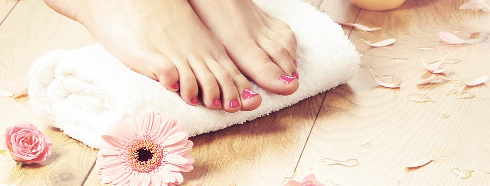 Fußpflege selber machen: In fünf Schritten zu gepflegten Füßen.