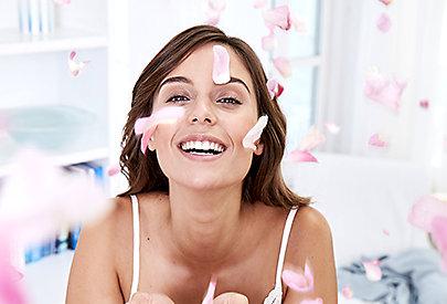 Kirschblüte, Rose, Vanille oder Kakao? - So sinnlich duftet die neue Body Sensual Pflegelotion von NIVEA.