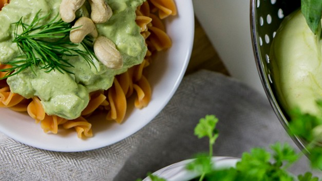 /.content/images/food/RoteLinsenPasta_CashewKohlrabi_Karussell.jpg