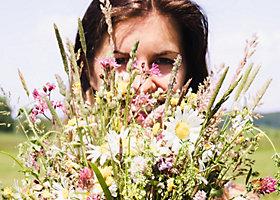 Über Manuela von Flowers in the Salad