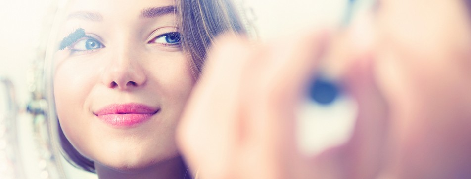 Die richtige Mascara für Ihre Wimpern finden.
