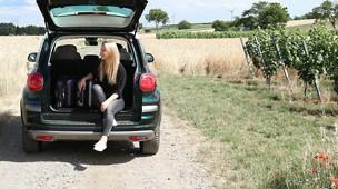 /.content/images/baby/FIAT_Autofarhren_mit_Kinder_Karussell.jpg