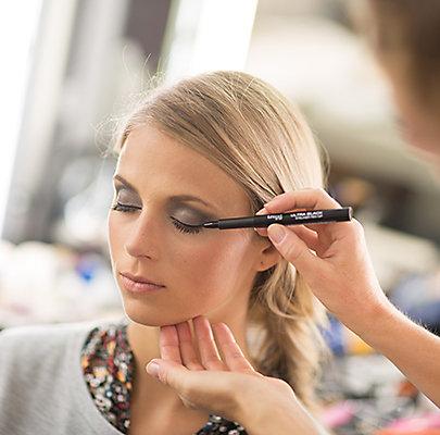Step 4: Eyeliner ziehen