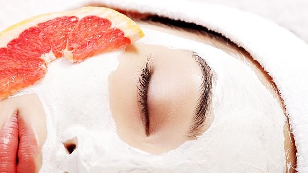 /.content/images/care/Gesichtsmaske-machen_Karussellbild_1366x521px.jpg