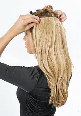 hairdo Clips unter dem Deckhaar befestigen