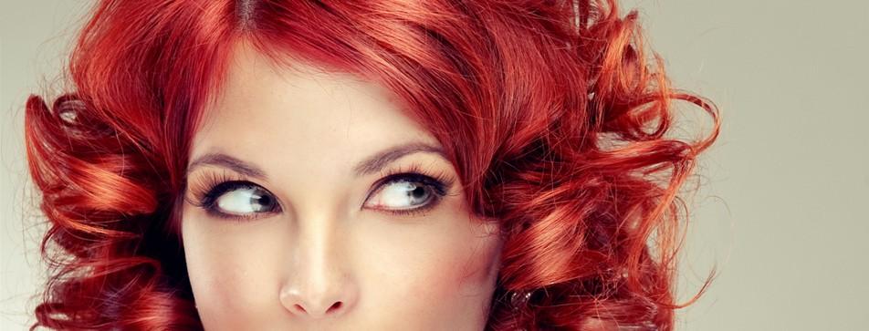 Mit Haartönung, Clip-Ins und Stylinggeräten den Look komplett verändern.