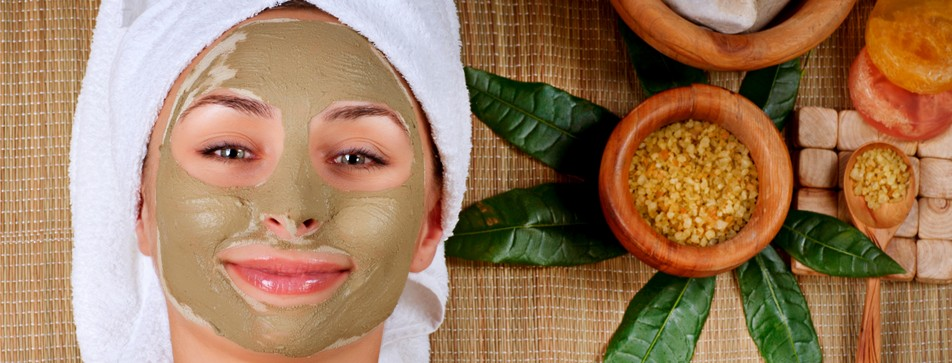 Pflegerituale wie regelmäßige Gesichtsmasken beruhigen nicht nur die Haut. Auch die Seele kann so richtig entspannen.