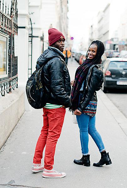 Das Paar liebt bunte Farben.