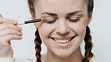 /.content/images/beauty/erstes-Make-Up_1366x521.jpg
