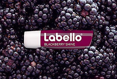 Glanz und Pflege für die Lippen: Labello Blackberry Shine mit Brombeer-Aroma.