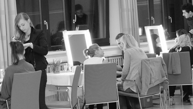 /.content/images/beauty/beauty_workshop_schminktipps_dm_online_shop_karussell_logo.jpg