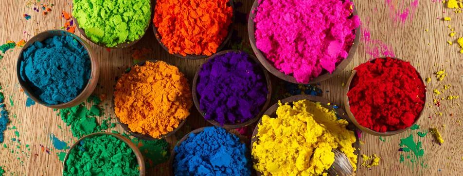 Knallige Farben im Make-up wirken aufregend