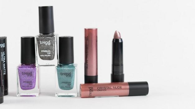 /.content/images/beauty/Headerbild-Glitzer-Make-Up.jpg
