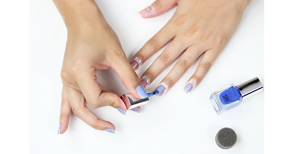 Schritt 2: Grundierung der Nägel